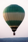 Alc�cer do Sal: bal�o de ar quente em voo / hot air balloon  in flight - photo by M.Durruti