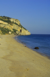 Portugal - Sesimbra: downtown beach - praia no centro - photo by M.Durruti