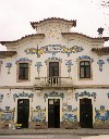 Portugal - Vilar Formoso (concelho de Almeida): fachade de azulejos - estação ferroviária / tiles at the train station  - photo by M.Durruti
