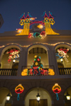 Puerto Rico - San Juan: Christmas - docorated façade (photo by D.Smith)