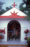 Reunion / Reuni�o - small chapel - St. Expedit / Santo Expedito - photo by W.Schipper