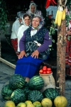 Russia - Krasnodar: peasant women selling watermelons (photo by Vladimir Sidoropolev)