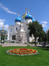 Russia - Sergiev Posad - Moscow oblast: Trinity Monastery of St Sergius - garden and Assumption Cathedral - photo by J.Kaman