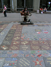 Russia - Moscow: Arbat - busker - photo by J.Kaman