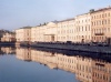 Russia - St. Petersburg: facades on the water (photo by Miguel Torres)