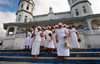 Samoa - Sava'i: Sunday morning church-goers on the church steps - photo by R.Eime