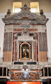 Bari Sardo, Ogliastra province, Sardinia / Sardegna / Sardigna: church of the Virgin of Montserrat - altar with wooden statue of Our Lady of the Rosary, by the Neapolitan artist Gaetano Franzese - photo by M.Torres