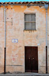 Muravera / Murèra, Cagliari province, Sardinia / Sardegna / Sardigna: modest house on Via Chiesa - rain gutter and downspouts - Sarrabus sub-region - photo by M.Torres