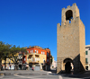 Oristano / Aristanis, Oristano province, Sardinia / Sardegna / Sardigna: tower of San Cristoforo / Mariano II / Porta Manna, part of the old walls - piazza Roma - photo by M.Torres