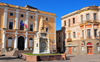 Oristano / Aristanis, Oristano province, Sardinia / Sardegna / Sardigna: Eleonora d'Arborea statue and the City Hall, the old Convento degli Scolopi - Piazza Eleonora d'Arborea - photo by M.Torres