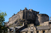 Scotland - Edinburgh: the castle from the backside - photo by C.McEachern