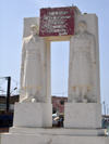 Senegal - Saint Louis: monument to the soldiers fallen for France in both world wars - Fishermen's Port - photo by G.Frysinger