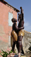 Senegal - Gorée Island / Île de Gorée - monument at the House of Slaves - Maison des esclaves - photo by G.Frysinger