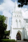 Singapore: the spire of St Andrews Cathedral (photo by R.Eime)