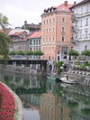 Slovenia - Ljubljana: Ljubljanica river view - photo by R.Wallace