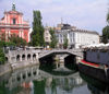 Slovenia - Ljubljana: Ljubljanica river view - looking towards the city centre - photo by R.Wallace
