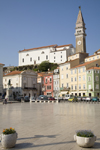 Slovenia - Piran - Slovenian Istria region: Tartinijev Trg and tower of St. George Church - photo by I.Middleton
