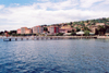 Slovenia - Portoroz: waterfront - pier and hotels on Obala avenue - Portoroz gulf - Adriatic sea - photo by M.Torres
