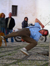 Spain / España - Granada, Andalusia: street performer - photo by R.Wallace)