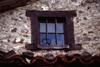 Spain - Cantabria - Potes - window - photo by F.Rigaud
