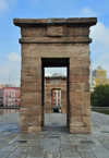 Spain / Espa�a - Madrid: Egyptian temple of Debod - stone pylon gateways - Parque del Oeste - photo by M.Torres