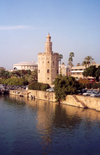 Spain / España - Sevilla / Seville/SVQ: the Guadalquivir and the Torre del Oro - photo by M.Torres