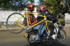 Sri Lanka - Colombo: two bikers - photo by B.Cain