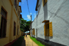 Galle, Southern Province, Sri Lanka: walking to the Aurora bastion - Pedlar st. - Old Town - UNESCO World Heritage Site - photo by M.Torres