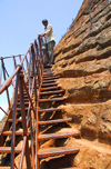 Sigiriya, Central Province, Sri Lanka: narrow stairs leading to the fortress - Unesco World Heritage site - photo by M.Torres