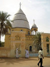 Sudan - Omdurman / Umm Durman: tomb of the Mahdi, Muhammad Ahmed Al Mahdi, Muslim religious leader - photo by L.Gewalli