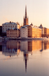 Sweden - Stockholm / ARN / BMA : Kammarkollegiet, Svea Hovratt, Riddarholmen by the water - reflection - Riddarfj�rden - photo by M.Torres