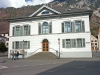 Glarus: typical house / maison typique (photo by Christian Roux)