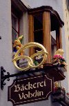 Switzerland - Zurich / Zurigo / ZRH : Pretzels and Easter bunnies at the Vohdin bakery (photo by M.Torres)