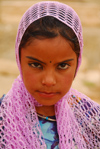 Palmyra / Tadmor, Homs governorate, Syria: Bedouin girl - photo by M.Torres / Travel-Images.com