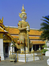 Thailand - Bangkok / Krung Thep: Wat Phra Kaeo - welcome to the temple II (photo by Llonaid)