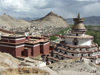 Tibet - Gyantse - Xigazê Prefecture: the Kumbum chorten - a stupa with chapels inside - the Palchor / Palkhor monastery and the town - photo by P.Artus