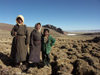 Tibet - Lake Namtso: trio of Tibetan girls (photo by P.Artus)