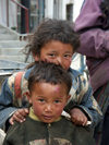 Tibet - Lhasa: shy kids (photo by P.Artus)