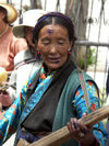 Tibet - Lhasa: street performer (photo by P.Artus)