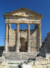 Tunisia - Dougga / Thugga: remains of old Roman city - the Capitol - UNESCO world heritage site (photo by J.Kaman)