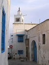 image of Tunisia - Sidi Bou Said: minaret - mosque - narrow alley (photo by J.Kaman)