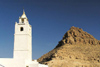 Tunisia - Ksar Douiret: hill and minaret - mosque (photo by J.Kaman)