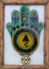Tunisia / Tunisie -  Tozeur: Hand of Fatima picture, daughter of the Prophet - mano - mao de Fatima (photo by J.Kaman)