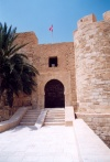 Tunisia / Tunisie / Tunisien - Jerba Island - Houmt Souq: the old fort - Borj Ghazi Mustapha / Borj el-Kebir - entrance (photo by Miguel Torres)