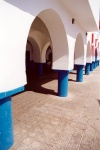 Tunisia / Tunisie / Tunisien - Jerba Island - Houmt Souq: arches of the town hall (photo by M.Torres)