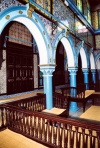 Tunisia - Jerba Island - Erriadh / Er Riadh / Hara Seguira: El-Ghriba / the Stranger synagogue - arches (photo by M.Torres)
