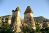 Turkey - Cappadocia - Goreme (Nevsehir province): fairy chimneys / Peribacalari - G�reme National Park - Unesco world heritage site - photo by R.Wallace
