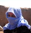 Harran, Sanli Urfa province, Southeastern Anatolia: young Arab woman with hijab - Jeune femme voilée - photo by C. le Mire