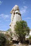Turkey - Cappadocia - Valley of Love: tall fairy chimneys - photo by C.Roux