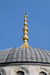 Istanbul, Turkey: Blue mosque - crescent over the dome - Sultan Ahmet Camii - photo by M.Torres